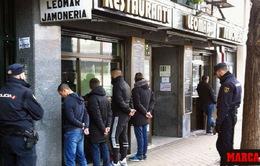 Một CĐV thiệt mạng trước trận Atletico – Deportivo