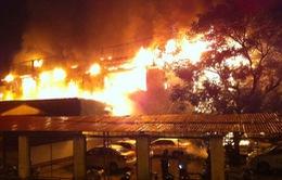 Cháy rụi quán bar tại Hà Nội, hàng trăm người hoảng loạn