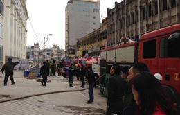 Dập tắt đám cháy ở Tòa nhà Hòa Bình Green City - Hà Nội