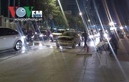 Hà Nội: Cháy xe ô tô trên đường Nguyễn Chí Thanh