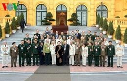 Phó Chủ tịch nước Nguyễn Thị Doan tiếp cựu chiến binh Trung đoàn 174