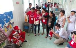 Hơn 1.600 nhiếp ảnh gia chụp ảnh Giáng sinh miễn phí cho trẻ em, người nghèo