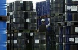 Giá dầu xuống mức thấp nhất trong 5 năm qua