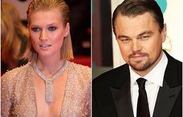 """Chán bạn gái siêu mẫu, Leonardo DiCaprio """"cặp kè"""" với 20 cô gái khác"""