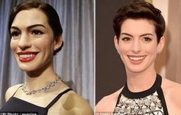 """""""Hết hồn"""" với tượng sáp mồm rộng của Anne Hathaway"""