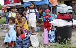 Bão Hagupit suy yếu trước khi đổ bộ vào Philippines