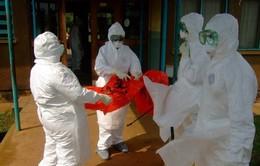 Chuyên gia y tế Cuba tới Tây Phi dập dịch Ebola