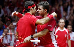 Federer và Wawrinka hợp sức, Thụy Sĩ tạm dẫn trước Pháp