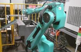 Apple thất vọng về robot sản xuất iPhone của Foxconn