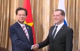 Thủ tướng hội kiến Thủ tướng Nga Dmitry Medvedev