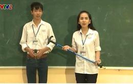 Học sinh Lào Cai sáng chế gậy thông minh cho người cao tuổi