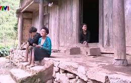 Hoàn cảnh nghiệt ngã của gia đình người Dao có 3 con khuyết tật nặng