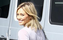 Hilary Duff khó chịu vì màn tỏ tình của Aaron Carter
