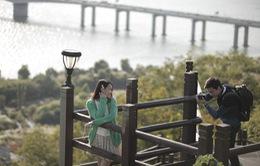 Tuổi thanh xuân hé lộ khung hình đẹp như mơ bên xứ Hàn