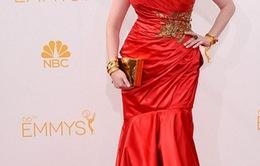 """Dàn sao """"rủ nhau"""" diện đầm đỏ dự Lễ trao giải Emmy 2014"""