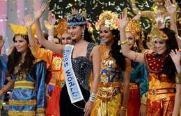 Đường tới Vương miện lần đầu tiên ra mắt tại Việt Nam