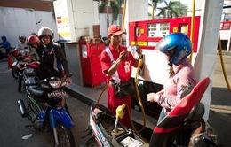 Indonesia tăng giá xăng dầu lên 30%
