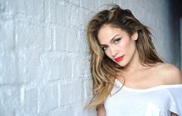"""Jennifer Lopez tự nhận mình... """"nghiện"""" yêu"""