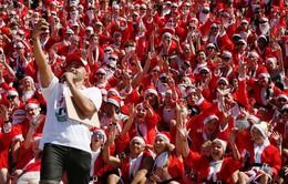 Độc đáo cuộc thi chạy của ông già Noel khắp thế giới