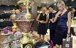 Moscow: Nhiều cửa hàng đồ xa xỉ đóng cửa điều chỉnh giá