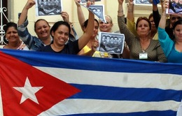 """Người dân Cuba """"ăn mừng"""" khi lệnh cấm vận sắp được dỡ bỏ"""
