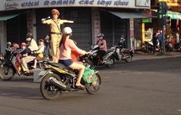 Bình Định: 30 nữ cảnh sát xuống đường điều tiết giao thông