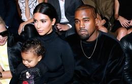 """Con gái Kim """"siêu vòng ba"""" có nhà thiết kế thời trang riêng"""