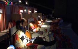 Độc đáo mang giường ngủ vào... rạp chiếu phim