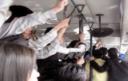 31% nữ sinh từng bị quấy rối tình dục trên xe buýt