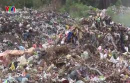 Yêu cầu Trung tâm môi trường huyện Nho Quan xử lí ô nhiễm bãi rác