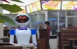 Robot biết nói phục vụ nhà hàng tại Trung Quốc