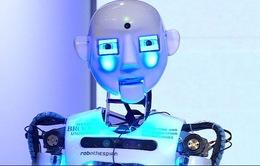 """Artie - Chú robot hát """"live"""" trên sóng truyền hình"""