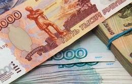 Đồng ruble tiếp tục lao dốc không phanh