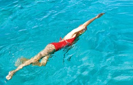 Các bước khởi động tránh bị chuột rút khi bơi