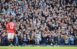 Smalling ngây ngô khiến Man Utd ôm hận