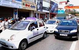 Hơn nửa số hãng taxi tại Hà Nội chưa giảm giá cước