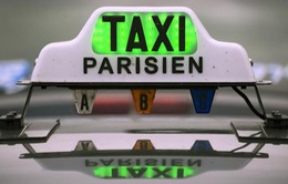 Pháp: Lái xe taxi Paris biểu tình phản đối dịch vụ Uber