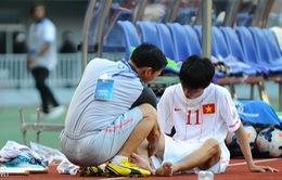 """U19 Việt Nam hứng """"bão"""" chấn thương sau trận thua U19 Hàn Quốc"""