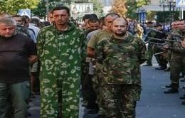 Chính phủ Ukraine và lực lượng miền Đông trao đổi tù binh
