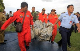 Indonesia huy động thợ lặn khẩn trương tìm kiếm các nạn nhân QZ8501