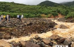 Lào Cai: Mưa lũ cuốn trôi 1 em nhỏ, nhiều tài sản bị thiệt hại