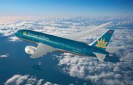 Máy bay Vietnam Airlines suýt đâm máy bay quân sự