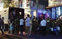 Bất ngờ kiểm tra vũ trường hạng sang giữa Sài Gòn