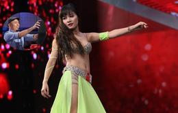 """Vietnam's Got Talent: NS Huy Tuấn bị """"hạ gục"""" vì nữ vũ công xinh đẹp"""