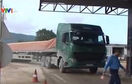 Hà Tĩnh: Khó kiểm soát xe quá tải trọng