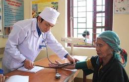 Trao tặng trang thiết bị y tế cho các trạm xá tỉnh Cao Bằng