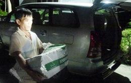 Công an mật phục bắt vụ vận chuyển 40 bánh cần sa