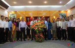 Đồng chí Tô Huy Rứa đến thăm và chúc mừng Đài THVN
