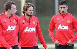 """HLV Van Gaal lo """"sốt vó"""" vì hàng thủ Man Utd rủ nhau chấn thương"""