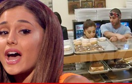 Ca sĩ Ariana Grande gặp rắc rối lớn với bánh donut